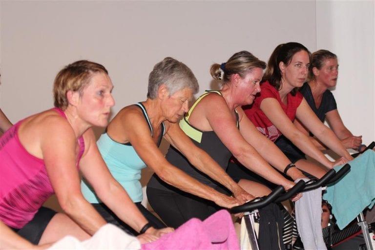 Vrouwen aan het sporten